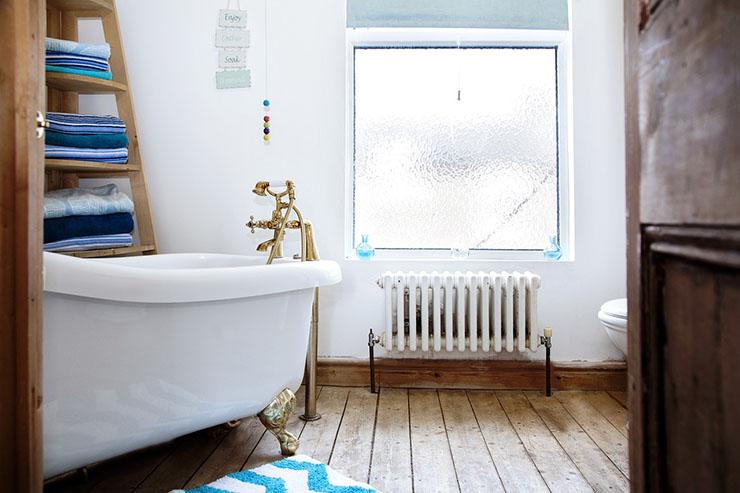 badkamer-goud-hout